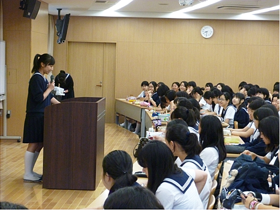 <b>中</b>三英語スピーチコンテストを行いました | <b>学習院女子中</b>・<b>高等科</b>