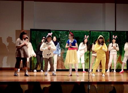 (中2) 中3 劇「アーサー王物語」 (中3) 高1 劇「るろう...  学習院女子中・高等科